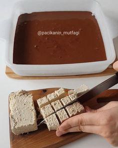 Hayırlı geceler ☺ Helvalı brownie 😍 Buram buram çikolatalı harika bir lezzet 😋Tam hafta sonu eğlencesi 😃 Brownie'yi bir de helvalı deneyin gerçekten efsane oluyor 🙄 Hem de yapılması en kolay çikolatalı tatlılardan 🤗 Ben sade tahin helvasıyla yaptım kakaolu ya da fıstıklı helvalarla da yapabilirsiniz... Tahini, Tea Party, Cheesecake, Desserts, Brownie, Food, Instagram, Burlap Pillows, Parties