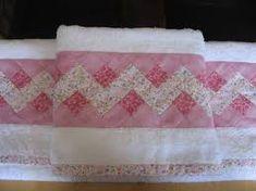 Resultado de imagem para jogo de toalhas de banho em patchwork
