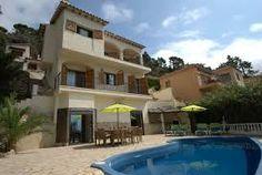 Live extravagantly in Villas Majorca