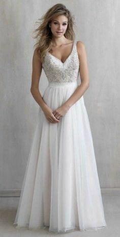 Romantic tulle wedding dress for beach wedding