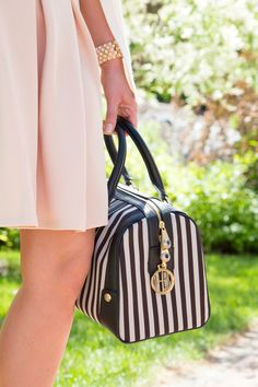My new favorite accessory for Summer, a Henri Bendel striped satchel!