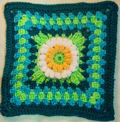 Ravelry: Project Gallery for Ryann's Cuddle cover and Gerbera Daisy Afghan pattern by Mary Ellen