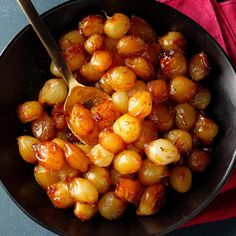 Family-Favorite Caramelized Onions - Taste of Home Caramelized Onions Recipe, Carmelized Onions, Onion Recipes, Vegetable Recipes, Meat Recipes, Pearl Onion Recipe, Tapas, Cooking Recipes, Healthy Recipes