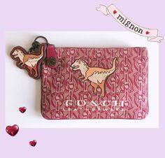 I accidentally bought a #Coach purse #✨✨✨✨✨✨✨✨✨✨✨✨✨✨✨✨✨✨ #dinosaur #trex #coachpurse #stockmannhelsinki