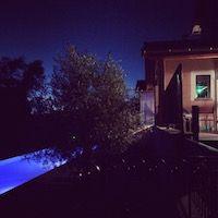 gite piscine nuit terrasse Lyon Beaujolais