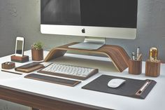 LuxeGetaways Father's Day Gift Guide: Grovemade Walnut Desktop Collection || Misc $