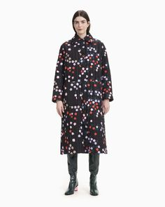 The quilted Loimu coat features the Taivaankukat pattern. The lightly padded, loose fitting coat has a zipper that is concealed with a snap button list, large patch pockets and side slits at the hem that can be closed with snap buttons. Normal Body, Marimekko, Long Toes, Bold Prints, Coat Dress, Body Shapes, Designer Dresses, Raincoat, High Neck Dress