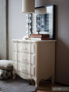 The Elli blog shares a beautiful nightstand finished in Chalk Paint® decorative paint by Annie Sloan!