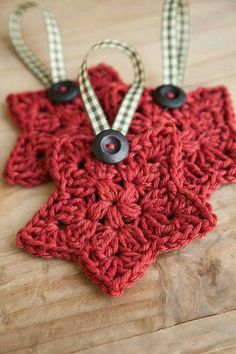 Crochet christmas ornament. Love this.