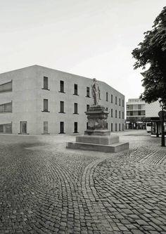 Patrick Schürmann_Karlsplatz Richtung Archiv