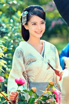 Beauty - is a combination of physical attractiveness, personality, culture, and intelligence that. Hanfu, L5r, Angelababy, Ancient Beauty, China Girl, Beautiful Asian Women, Japanese Girl, Traditional Dresses, Pretty Face