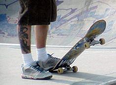 Skateboarden. Skateboarden is misschien wel 1 van mijn favoriete hobby's. Ik vind het erg leuk om bij mooi weer met mijn vrienden te skaten.