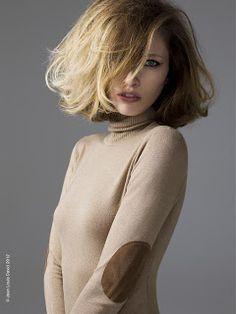 χτενίσματα με φράντζα για καρέ μαλλιά