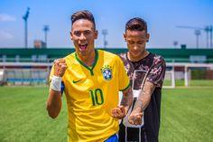 Jogador de futebol encontrou seu sósia de cera em Barcelona São Paulo, 24 de maio de 2016 – Pouco após marcar o segundo gol do FC Barcelona na vitória que deu ao time seu 28º título da Copa do Rei, o jogador Neymar se...