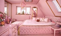 Pink Mansfield Suite at Eaton House