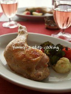 レモンとローズマリーのイタリア風ローストチキン by ヤミー 「写真がきれい」×「つくりやすい」×「美味しい」お料理と出会えるレシピサイト「Nadia | ナディア」プロの料理を無料で検索。実用的な節約簡単レシピからおもてなしレシピまで。有名レシピブロガーの料理動画も満載!お気に入りのレシピが保存できるSNS。