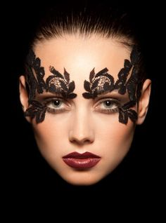 Just a Pretty Makeup: Stunning features and lace mask Lace Makeup, Makeup Art, Sexy Makeup, Makeup Ideas, Masquerade Mask Makeup, Diy Mask Masquerade, Masquerade Party Outfit, Face Lace, Photo Makeup