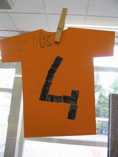 Voetbalshirt met rugnummer en naam