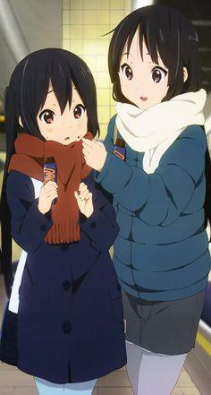 Azusa Nakano and Mio Akiyama (K-On! Moe Manga, Chica Anime Manga, K On Anime, Anime Love, Azusa Nakano, Wallpaper Animes, Kyoto Animation, Anime Best Friends, Anime Artwork