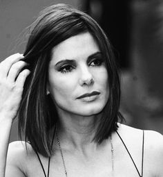Beauty ♀️ sandra bullock bob hairstyle More Wedding Gift Favors - Definately What The Couple Want A Ombré Hair, Hair Dos, New Hair, Celebrity Hairstyles, Hairstyles Haircuts, Straight Hairstyles, Bob Haircuts, Famous Hairstyles, Wedding Hairstyles