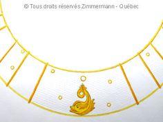 Un dessin de collier rigide en or.