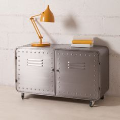Buffet bas meuble TV en métal gris 2 portes casiers style industriel ...