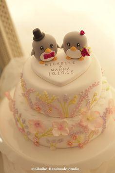 https://flic.kr/p/zmS2rT | penguins bride and groom Wedding Cake Topper | www.etsy.com/listing/239120660/penguins-bride-and-groom-w...