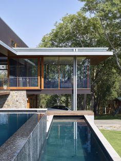 Deerhurst | Queensland Australia | Shaun Lockyer Architects Australian Architecture, Australian Homes, Interior Architecture, Residential Interior Design, Home Interior Design, Interior And Exterior, Brisbane Architects, Modern Pools, Forest House