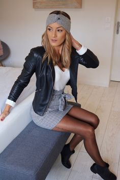 Porter une jupe à imprimé Prince de Galles Girly Outfits, Grunge Outfits, Classy Outfits, Skirt Outfits, Casual Outfits, Cute Outfits, Winter Outfits For Teen Girls, Spring Outfits, Look Fashion