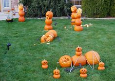 Hilarious Halloween Outdoor Decor! Wonder what the new neighborhood would think of us....