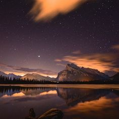 AOV x @tomhill photography Vermilion Lakes, Alberta, Canada - A night photographers dream. Shot info - Single exposure @ Iso 3200, 30sec, f4, auto white balance, 22mm My gear - Nikon d800, tamron 15-30mm f2.8 lens, Benro carbon fibre tripod ——————————————— Be Visually Inspired! 📷 by: @tomhill photography #artofvisuals #aov #bevisuallyinspired! ——————————————— Check out our Lightroom presets and magazine on our website! www.artofvisuals.com