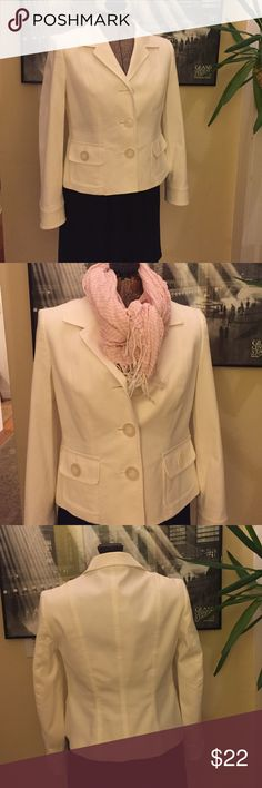 Talbots blazer Winter white blazer by Talbots. Lightweight cotton, rayon, spandex blend with lining of polyester. Perfect translational jacket to to you from winter into spring. Perfect condition! 🌼 Talbots Jackets & Coats Blazers