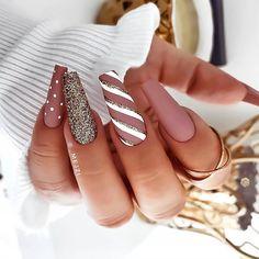 Bling Acrylic Nails, Best Acrylic Nails, Acrylic Nail Designs, Nail Art Designs, Acrylic Nails With Design, Glitter Nails, Winter Nail Designs, Christmas Nail Designs, Nail Ideas For Winter