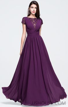 Sometimes, such a simple yet smart dress is enough for Prom. #JJsHouse #Party #Prom