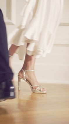 Choosing the perfect bridal shoes will make your wedding day even more special. Discover our bridal boutique and get ready to say Discover more day videos Wedding Shoes, Wedding Dresses, Best Bridal Shoes, Sparkly Heels, Applis Photo, Fashion Videos, Aesthetic Videos, Bridal Boutique, Foto E Video