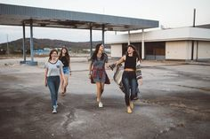 Even during a pandemic, socializing is critical via @enerex Aides Sociales, Julia Faria, Teenage Daughters, Womens Fashion Stores, Fashion Women, Style Fashion, Ethical Clothing, Kids Clothing, New People