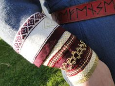 sleeve embellishments on Wrenn's knighting outfit! Viking Garb, Viking Reenactment, Viking Dress, Larp, Medieval Embroidery, Tudor Costumes, Viking Clothing, Viking Life, Tablet Weaving