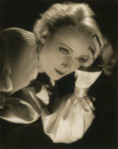 Carole Lombard photographed by Otto Dyar, early Old Hollywood Movies, Old Hollywood Glamour, Golden Age Of Hollywood, Vintage Hollywood, Hollywood Stars, Hollywood Actresses, Classic Hollywood, Actors & Actresses, Hollywood Images