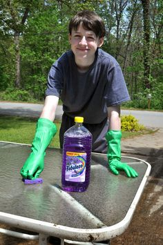 Cleaning Up Our Picnic Tables with Fabuloso #MiFabuloso #Ad #cbias