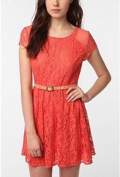 I vow to own even more lace dresses!