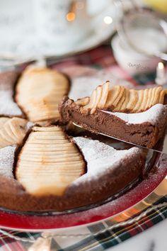 Bir kek olmak için fazla nemli ve sıkı bir dokusu olsa da browni de sayılmadığı için yine en iyi seçenek kek olarak adlandırmak bu tarif...