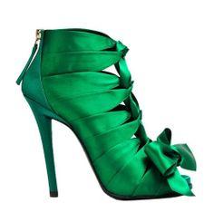 Roger Vivier Green Satin Bow Bootie Fall Winter 2012 #Shoes #Heels #Emerald