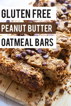 If you're short on time in the mornings then you are going to love these gluten free peanut butter oatmeal bars recipe. Oat bars made with peanut butter and chocolate chips make these perfect as breakfast bars! Peanut Butter Oatmeal Bars, Peanut Butter Breakfast, Chocolate Oatmeal Cookies, Oatmeal Cookie Recipes, Breakfast Bars, Chocolate Chips, Breakfast Recipes, Snack Recipes, Free Recipes