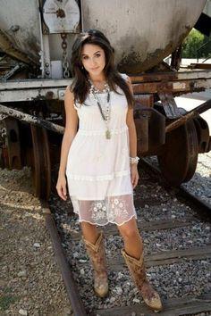 Fashionable lace dress