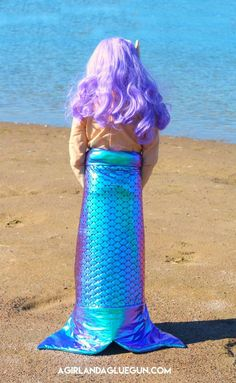 How to sew a mermaid costume #mermaidcostume #mermaid- A girl and a glue gun Bee Crafts, Sewing Crafts, Halloween Kostüm, Halloween Costumes, Love Craft, Glue Gun, Creative Crafts, Craft Tutorials, Tie Dye Skirt