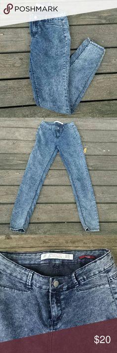 """Zara blue jeggings Zara blue jeggings. Size 4. Inseam 29"""". Zara Jeans Skinny"""
