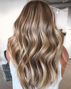 Long Wavy Ash-Brown Balayage - 20 Light Brown Hair Color Ideas for Your New Look - The Trending Hairstyle Brown Hair Balayage, Brown Blonde Hair, Hair Color Balayage, Hair Highlights, Brown To Blonde Highlights, Natural Blonde Balayage, Golden Highlights, Color Highlights, Brown Hair Shades