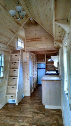 Tiny House Living: I Love this tiny house. It has good use of space. ...
