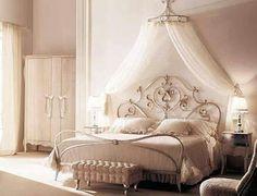 Cibinlikli yatak odası :)