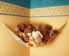 Handmade Kids Room Decorations, Cheap Ideas for Decorating Toddler Rooms - Kinderzimmer - Stofftiere Stuffed Animal Hammock, Stuffed Animal Storage, Stuffed Animals, Stuffed Toy, Nursery Furniture, Kids Furniture, White Furniture, Furniture Plans, Furniture Decor